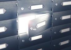 Safes mit einer offenen sicheren Zelle Licht von der Bankzelle Stockfoto