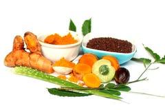 Safran des indes de fines herbes, neem, amla, graine de moutarde Image libre de droits