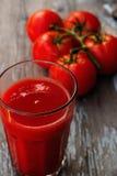 Saft der Tomaten stockbilder