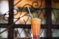 Saft in einem Glas Lizenzfreies Stockfoto