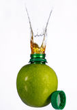 Saft im Apfel Stockfotos