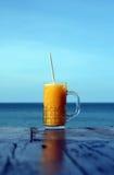 Saft im im Freienkaffee Stockfotos