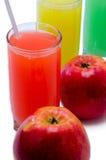 Saft mit Äpfeln Lizenzfreie Stockbilder