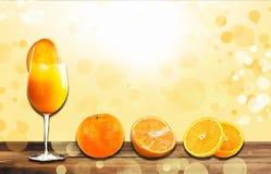 Saft mit Orangen stockbild