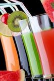 Saft und frische Früchte Stockfoto