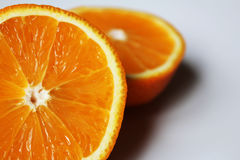 saftig apelsin av ett segment Arkivfoton