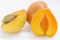 Saftig aprikosskörd arkivfoto