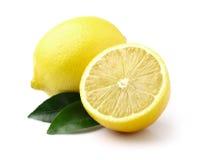 Saftiga citroner med bladet Fotografering för Bildbyråer