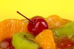 Saftiga frukter, tangerin, kiwi, körsbär Fotografering för Bildbyråer