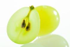 Saftiga gröna druvor Arkivfoto