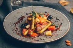 Saftiga grillade grönsaker arkivfoto