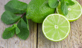 Saftiga mogna limefrukter Royaltyfri Bild