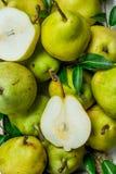 Saftiga mogna pears royaltyfri fotografi