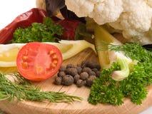 Saftiga och nya snittgrönsaker Fotografering för Bildbyråer