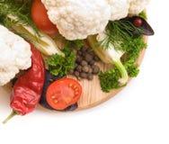 Saftiga och nya snittgrönsaker Royaltyfri Bild