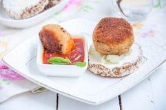Saftiga stekte köttkotletter Royaltyfria Bilder
