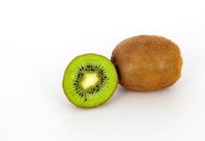 Saftige Kiwi auf einem weißen Hintergrund Lizenzfreie Stockfotografie