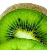 Saftige Kiwi geschnitten auf Weiß Lizenzfreies Stockfoto
