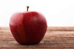 Saftiger roter Apfelabschluß oben Stockbild