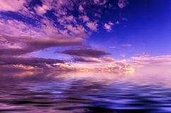 Saftiger Sonnenunterganghimmel Stockfotos