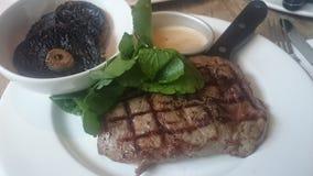 Saftiges köstliches Steak Lizenzfreie Stockfotos