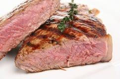Saftiges seltenes Lendenstück-Steak lizenzfreie stockfotografie