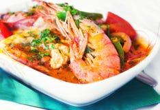 Saganaki griego tradicional del camarón del plato Foto de archivo libre de regalías