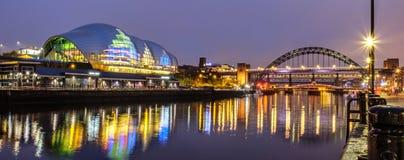Sage Gateshead e Tyne Bridge immagini stock