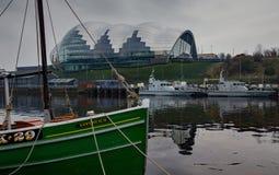 Sage Gateshead som tas från Newcastle över Tynen royaltyfri bild