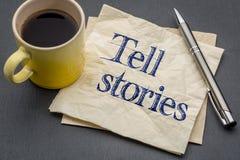Sagen Sie Geschichtenrat oder -anzeige auf naokin stockbilder