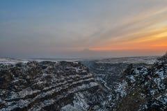 Saghmosavankklooster dichtbij kloof van Kassakh-rivier armenië stock foto's