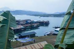 Sagklaburi dom na wsi na wodzie Zdjęcia Royalty Free