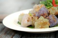 Sago wieprzowiny Tajlandia zakąski i deseru balowa tradycyjna kuchnia słuzyć z chłodnym i sałatą Fotografia Royalty Free
