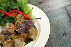 Sago wieprzowiny Tajlandia zakąski i deseru balowa tradycyjna kuchnia słuzyć z chłodnym i sałatą Zdjęcia Royalty Free