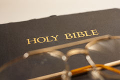 Sagrada Biblia fotos de archivo