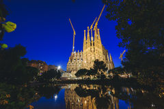 Sagrada Familia在晚上,巴塞罗那,西班牙 免版税图库摄影