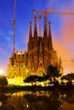 Sagrada Familia在晚上 巴塞罗那西班牙 免版税库存照片