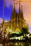 Sagrada Familia在晚上 巴塞罗那 库存图片