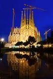 Sagrada Familia在晚上 图库摄影