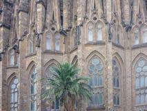 Sagrada Familia的看法大天主教堂在巴塞罗那西班牙 库存照片