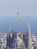 Sagrada Familia à l'arrière-plan de la mer Photographie stock