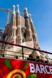 Sagrada Familia, buss turnerar, Barcelona Royaltyfri Foto