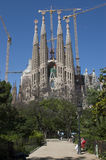 Sagrada Familia e guindastes Foto de Stock