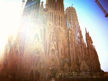 Sagrada Familia en soleil au printemps photos stock