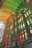 Sagrada Familia gespannen glasvensters, door Antoni Gaudi, Barcelona Stock Foto's