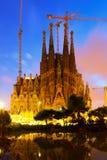 Sagrada Familia i afton Barcelona Arkivfoton