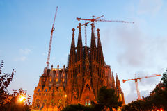 Sagrada Familia i afton Barcelona Arkivbilder