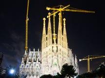 Sagrada Familia i mörk tid Barcelona Arkivfoto