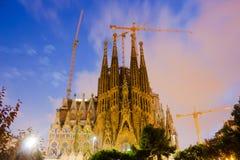 Sagrada Familia i skymning Barcelona Royaltyfria Foton