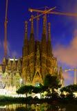 Sagrada Familia i skymning Barcelona Fotografering för Bildbyråer